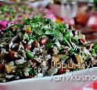Салат «Говядина, фасоль, сухарики»