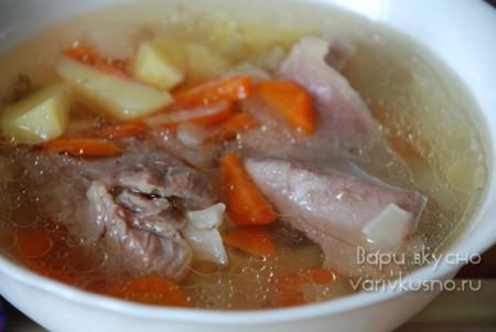 прозрачный индюшачий суп с картофелем