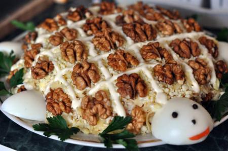 Салат Черепаха с грецкими орехами фото