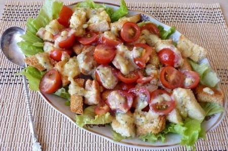 Рецепт слоеного салата Цезарь