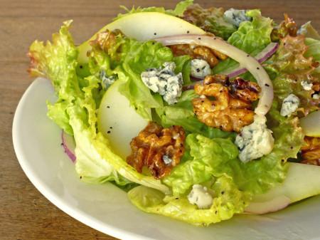 Салат груша сыр с плесенью