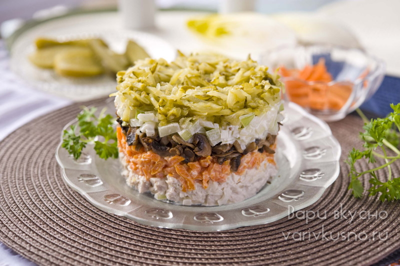 салат обжорка рецепт с курицей и блинами