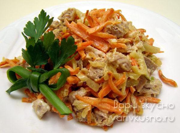 Салат с корейской морковью соленые огурцами и курицей