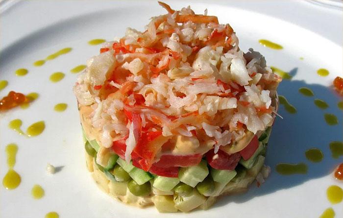 салат с крабами и рисом рецепт