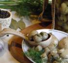 Маринованные шампиньоны с чесноком