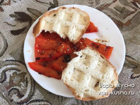Перец в вафельнице с хрустящими хлебцами