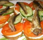Бутерброды со шпротами холодные. 9 вкусных рецептов