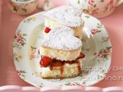 Простой десерт на День святого Валентина — сердца из бисквита