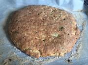 Сырная лепешка с зеленым луком
